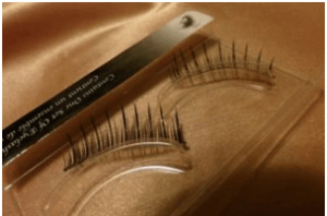 Get Eyelash extensions done in salons offering customised eyelash extensions perth